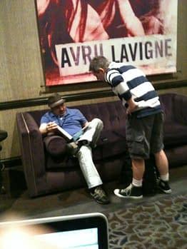 Dan DiDio Fades Into The Furniture At MorrisonCon