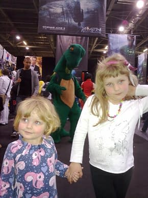 Warren Ellis Surrounded By Cosplay – The Weekend At MCM London Expo
