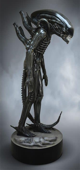 HCG-Life-Size-Big-Chap-Alien-002