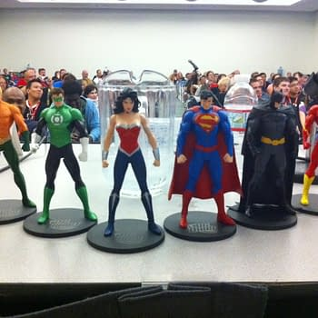 What Does The DC Direct Justice League Line Tell Us About The New 52 Costumes