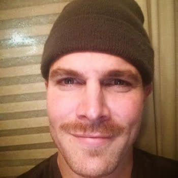 Casey At The Bat – Stephen Amell Hits It Out Of The Park
