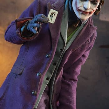 The Joker: Dark Knight Premium Format Figure From Sideshow Collectibles