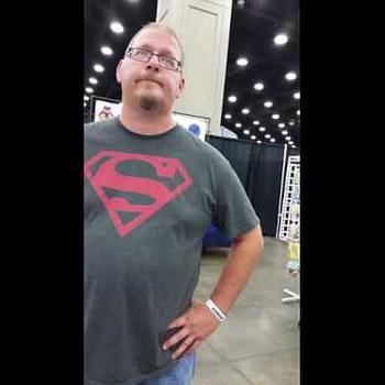Jason Flowers Clowns Matt Walker Over Photoshopped Artwork At FandomFest 2016 (VIDEO)