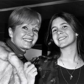 Carrie Fishers Mom Debbie Reynolds Rushed To Hospital With Possible Stroke