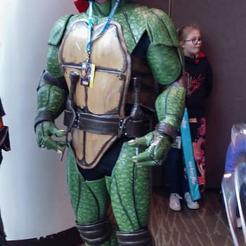 13 More Cosplays From Sunday At ECCC – From Leeloo To Killer Croc To 三船 剛