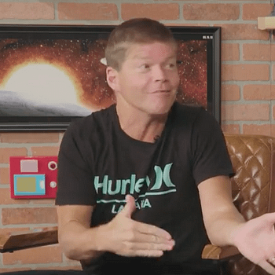 Walking Dead Creator Robert Kirkman Gave Deadpool Creator Rob Liefeld A Very Special Gift