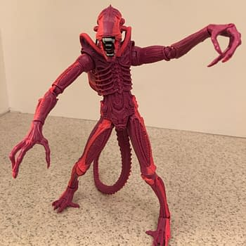 Relive Terror In The Arcade With NECAs Aliens Video Game Tribute Figure