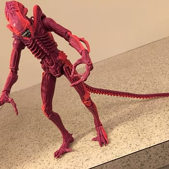 Relive Terror In The Arcade With NECA's Aliens Video Game Tribute Figure