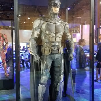Fashion Files: Inspecting Batmans Justice League Costume In New Close-Up Pics [POLL]