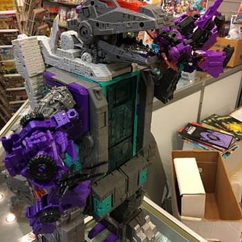 Trypticon Transformers Titans Return Figure Eats His Way Into Our Hearts