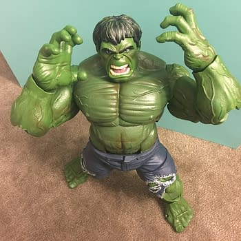 Hulk 12-Inch Marvel Legends Figure Smashes All Other Hulks