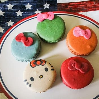 Nerd Food: Mini Cakes And Macarons From The Hello Kitty Food Truck