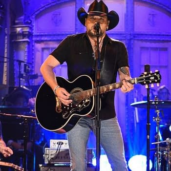 Jason Aldean Performs Tom Petty Song On SNL For Vegas Victims