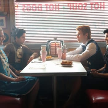 """Riverdale -- """"Chapter Fifteen: Nighthawks"""" -- Image Number: RVD202a_0453.jpg -- Pictured (L-R): Lili Reinhart as Betty Cooper, Cole Sprouse as Jughead Jones, KJ Apa as Archie Andrews, and Camila Mendes as Veronica Lodge -- Photo: Bettina Strauss /The CW -- © 2017 The CW Network. All Rights Reserved"""