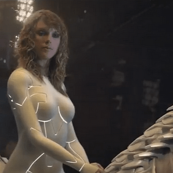 Taylor Swifts New Sci-Fi Music Video Had A Little Help From Comic Book Artist Dan Fraga