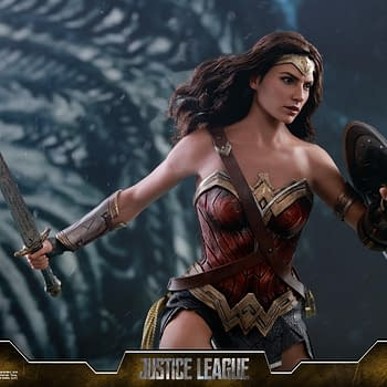 Wonder Woman Dazzles In Her Justice League Hot Toys Figure