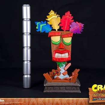 This Life-Size Crash Bandicoot Aku Aku Mask From First4Figures Is Up For Pre-Order