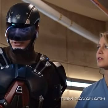 Arrowverse Favorite Moments: The Atom Saves Supergirl