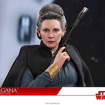 General Leia Organa from The Last Jedi Makes for One Great Hot Toy