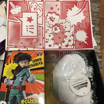 Figures Comics and Posters- Whats Inside the LootCrate Anime Box