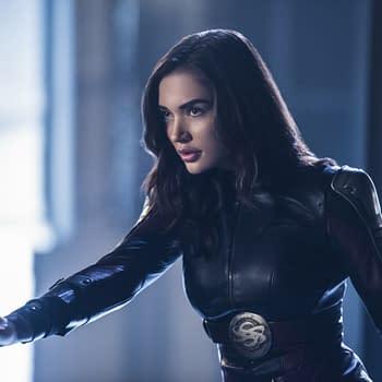 Supergirl Season 3: Mon-El and Saturn Girl vs. Reign