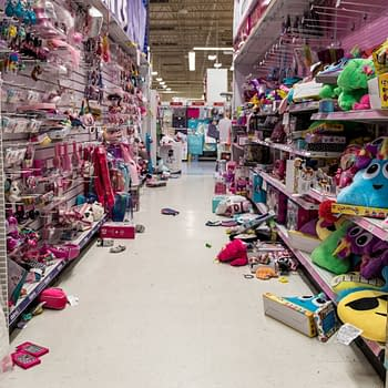 I Dont Wanna Grow Up: The Last Gasp of Toys R Us in Pictures