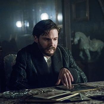 The Alienist Season 1: Sara Opens Up to Laszlo to Try to Help Him