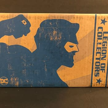 Unboxing the DC Legion of Collectors Green Lantern Funko Box