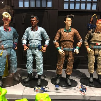 115 Pics from the Diamond Select Toys Booth at SDCC – Statues Figures and More