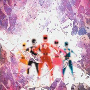 Power Rangers: Shattered Grid Gets Holofoil Variant by Trevor Hairsine