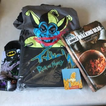 What's In The Box?!: Loot Crate DX – August 2018