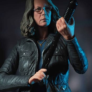 Halloweens Laurie Strode Gets Her First Ever Action Figure From NECA