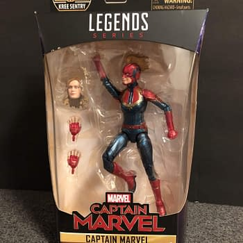 Lets Take a Look at the Marvel Legends Captain Marvel Figure