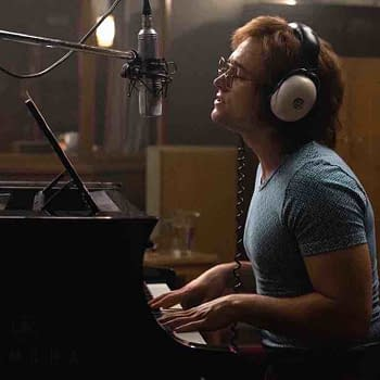 [CinemaCon 2019] Elton John Embraces the Crowd in a New Rocketman Standee