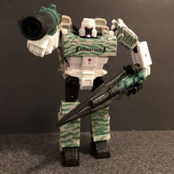Let's Take a Look at the Transformers War For Cybertron G2 Combat Megatron