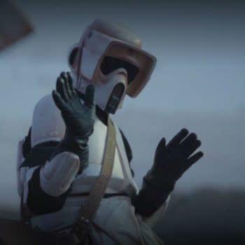 """The Mandalorian"": Jason Sudeikis Incurs Wrath of ""Baby Yoda"" Fans"