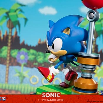 Sonic Goes for the Goal with New Exclusive First 4 Figures Statue