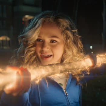 """Stargirl"": In ""Leap of Faith"", Courtney Surfs Her Cosmic Staff [TEASER]"