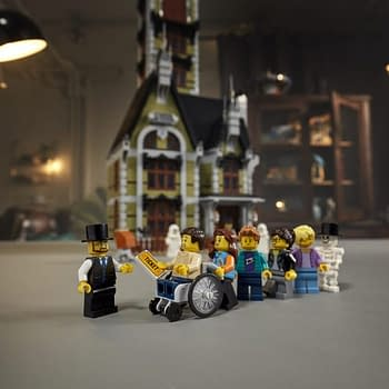 LEGO is Ready to Scare Your Collection With New Haunted House Set