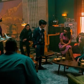 """THE UMBRELLA ACADEMY (L to R) DAVID CASTA""""EDA as DIEGO HARGREEVES, TOM HOPPER as LUTHER HARGREEVES, JUSTIN H. MIN as BEN HARGREEVES, AIDAN GALLAGHER as NUMBER FIVE, EMMY RAVER-LAMPMAN as ALLISON HARGREEVES, ROBERT SHEEHAN as KLAUS HARGREEVES and ELLEN PAGE as VANYA HARGREEVES in THE UMBRELLA ACADEMY Cr. CHRISTOS KALOHORIDIS/NETFLIX © 2020"""
