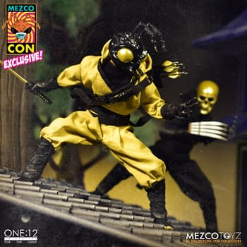 Mezco Toyz Hides Golden Dragon One:12 Gomez in SDCC Box