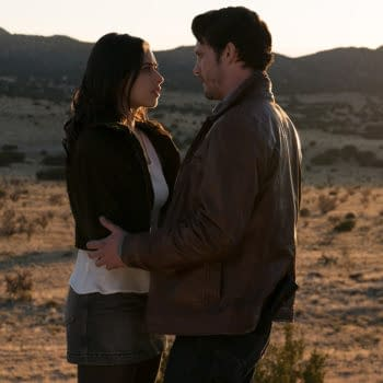 """Roswell, New Mexico -- """"Pilot"""" -- Image Number: ROS101b_0272ra.jpg -- Pictured (L-R): Jeanine Mason as Liz Ortecho and Nathan Parsons as Max Evans -- Photo: Ursula Coyote/The CW -- © 2018 The CW Network, LLC. All rights reserved"""