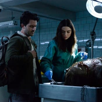 """Swamp Thing -- """"Pilot"""" -- Image Number: SWP101b_0143 V1 -- Pictured (L-R): Andy Bean as Alec Holland and Crystal Reed as Abby Arcane -- Photo: Brownie Harris / 2020 Warner Bros. Entertainment Inc. -- © 2020 Warner Bros. Entertainment Inc. All Rights Reserved."""