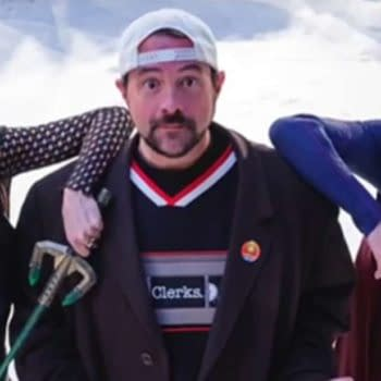 Kevin Smith directing Supergirl (Image: The CW-screencap)