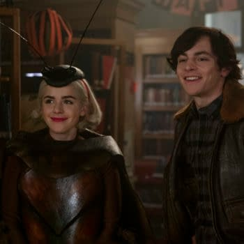 CHILLING ADVENTURES OF SABRINA (L to R) KIERNAN SHIPKA as SABRINA and ROSS LYNCH as HARVEY KINKLE in episode 215 of CHILLING ADVENTURES OF SABRINA Cr. DIYAH PERA/NETFLIX © 2020