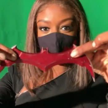 Batwoman star Javicia Leslie took viewers behind the scenes of season 2 (Image: CCXP screencaps)