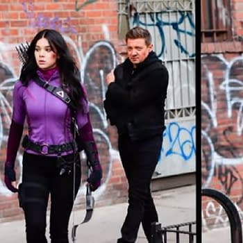 Hawkeye Star Hailee Steinfeld Talks Kate Bishop: Shes Such a Badass