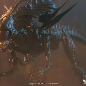 Xenomorph Alien Queen Creates a New Hive With Hiya Toys