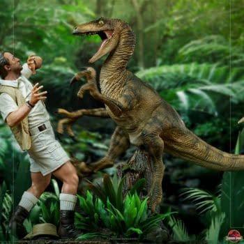 Jurassic Park Clever Girl Velociraptor Statue Arrives at Iron Studios