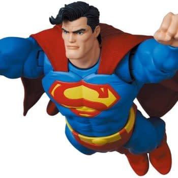 The Dark Knight Returns Superman MAFEX Figure Finally Debuts